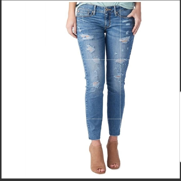 best selection of limited guantity numerous in variety Denizen Levi's low rise ankle skinny jeans 1 25